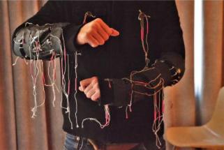 La tête en fumet作品紹介11『楽しいジャケット』照屋玲於